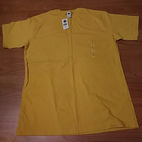 GAP Tops - BRAND NEW GAP tee